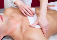 Enthaarung von Brust und Rüclen